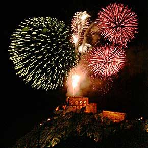 Rhein-in-Flammen-Feuerwerk bei Koblenz von der Festung Ehrenbreitstein